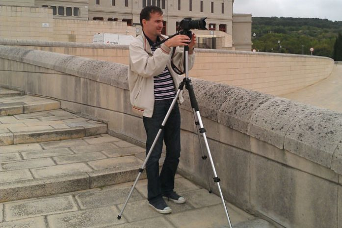 Daniele Carrer while shooting stock footage in Barcelona