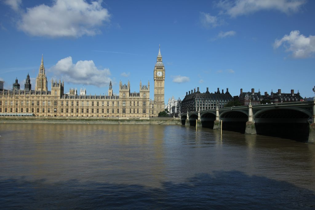 The House of Parliament, Thames river and Westminster bridge in London shot by Daniele Carrer
